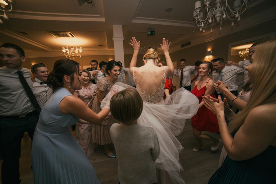taniec Panny Młodej na weselu